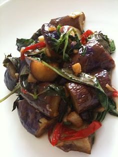 Cooking and Capturing: Thai's Basil Eggplant