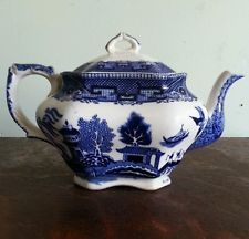 1912 Buffalo China Tea Pot - Blue Willow