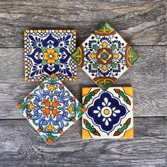 Mixed Set of 4 Mexican Tile Coasters Orange Et Turquoise, Handmade Decorative Items, Tile Crafts, Dyi Crafts, Slate Coasters, Mediterranean Decor, Tile Art, Hand Painted Ceramics, Beautiful