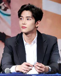 Korean Celebrities, Korean Actors, Celebs, Asian Actors, Jaehyun, Neoz School, Spirit Fanfics, Chani Sf9, Jung Hyun