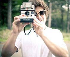 Quem não gosta de sair nas fotos com óculos de sol? 8) #oculosdesol #sunglasses #oculosdemadeira #woodsunglasses