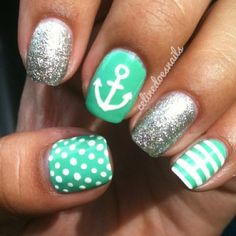 I 💜 anchor nails! I love the designs in these nails although I would only do the ring finger with sparkles Fancy Nails, Love Nails, How To Do Nails, Pretty Nails, My Nails, Teal Nails, Sparkle Nails, Green Nails, Prom Nails