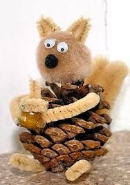 Fem Manuales papier mâché squirrel That Artist Woman paper squirrels Matsutake squirrel garland Family Fun egg carton squirrels The Storque chipmunk from a knit glove Family Crafts pinecone squirrel Pinecone Crafts Kids, Autumn Crafts, Family Crafts, Fun Crafts For Kids, Nature Crafts, Thanksgiving Crafts, Projects For Kids, Holiday Crafts, Art For Kids