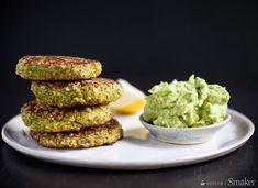 Kotleciki z ciecierzycy i brokuła z dodatkiem guacamole