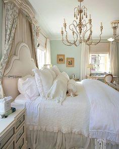Splendor in the South ™️ (@splendorinthesouth) • Фото и видео в Instagram Shabby Chic Bedrooms, Trendy Bedroom, Cozy Bedroom, White Bedroom, French Country Bedrooms, French Country Decorating, Bedroom Themes, Bedroom Decor, Bedroom Ideas