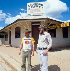 Diggers Rest Hotel, Lightning Ridge, New South Wales, 1978 Australia Living, Australia Travel, Priscilla Queen, English Gentleman, Old Pub, Lightning Ridge, National Archives, Historical Architecture, Family Memories