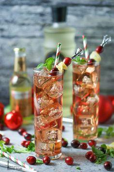 Cocktails Bar, Cocktail Drinks, Fun Drinks, Yummy Drinks, Cocktail Recipes, Beverages, Bourbon Drinks, Best Ginger Ale, Ginger Fizz