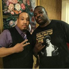 Me and Bruh Man from the 5th Flo actor/comedian from Martin and Everybody Hates Chris Reggie Ballard .... #samitches #martin #martinlawrence #comedy #celebrity #instagood #instafunny #bruh #bruhman #ugeneius #ugeneiusapparel http://tipsrazzi.com/ipost/1526456814747774783/?code=BUvEGKwA-8_