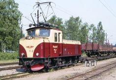 Choo Choo Train, Electric Locomotive, Engineering, Vehicles, Track, Display Stands, Sweden, Trains, Runway