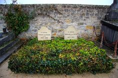 Vincent van Gogh and his brother Theodore van Gogh's graves.