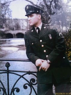 Elvis Presley in Bad Nauheim - Photo from the photo to the Usa Bridge: Elvis on the Usa Bridge in Bad Nauheim