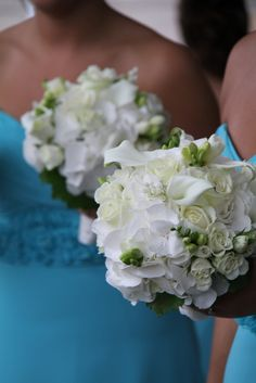 Flower Design Events: White Bridesmaid's Posies
