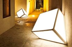 Garden glow: Cube light by Sven M Design Architecture and Interiors