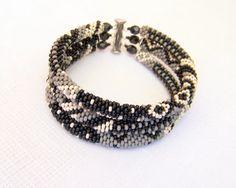 Verkauf  Beadwork  3 Strang Bead Crochet Seil Armband in von lutita, $36.00