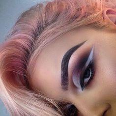 Makeup Artist for Paddy McGurgan 20, Belfast , Olly Business- ursula271196@icloud.com
