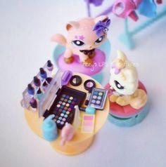 Lps movie shoot make up . - MakeUp For Women İdeas Lps Littlest Pet Shop, Little Pet Shop Toys, Little Pets, Accessoires Lps, Lps Diy Accessories, Lps Houses, Lps Sets, Custom Lps, Diy And Crafts