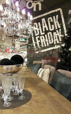 Vähitellen alkaa Black Friday rakentua myös Asko-myymälöissä. Huomenna alkaa!!! 🤗 #sisustusidea #sisustaminen #sisustusinspiraatio #askohuonekalut #sisustusidea #sisustusideat #sisustus #askohuonekalut #sisustusidea #sisustusideat #sisustus #style #decoration #homedecor #ideoita #torstaikohtaperjantai #blackfriday #huomennajuhlitaan