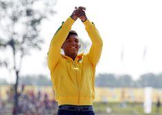 Isaquias supera ídolo canadense e conquista ouro inédito para o Brasil #globoesporte