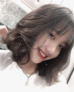 Cute Japanese Girl, Cute Korean Girl, Uzzlang Girl, Hey Girl, Top Hairstyles, Girl Short Hair, Beautiful Asian Girls, Face And Body, My Idol