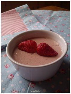 donabimby: strawberry mousse /Creme de Morango