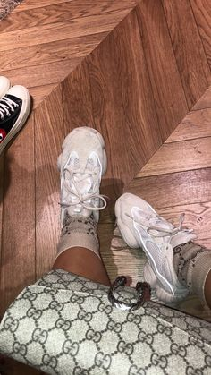 Cute Sneakers, Shoes Sneakers, Shoes Heels, Yeezy Shoes, Gucci, Fendi, Adidas Shoes Outfit, Sneakers Fashion, Fashion Shoes