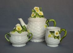Lefton Rustic Daisy Teapot Sugar Bowl Cup Vintage Embossed Floral Made in Japan