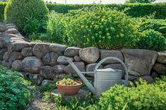 Gartenmauer. Garten Am HangHaus ...