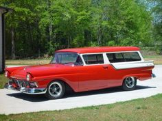 Ford Custom Ranch Wagon-perfect for towing Queenie
