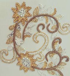 Details Dabka,sequin and cutdana embroidery. #perniaqureshi #perniaqureshilabel #perniaspopupshop #bestylish #embroidery #details #gold #dabka #sequins
