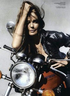 Model on a Honda Super Sport, cool bike, bikergirl, motorchick, leather Lady Biker, Biker Girl, Honda Cb, Moto Vespa, Harley Davidson, Mode Rock, Chicks On Bikes, Motorbike Girl, Girl Bike