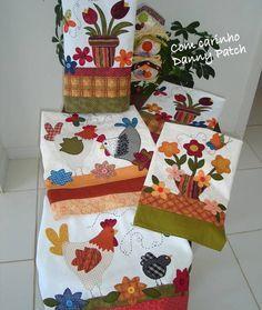 Panos de copa com aplicação em tecidos nacionais e importados. As cores e aplicações podem variar de acordo com seu gosto. *Valor unitário R$ 35,28