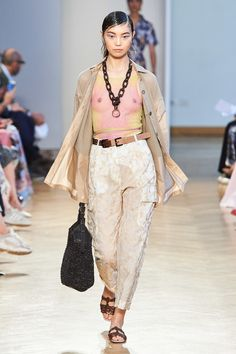 Cividini Spring 2020 Ready-to-Wear Collection - Sponsored - Vogue - Outfit Trends Ftv Fashion, Fashion Outfits, Jolie Lingerie, See Through Dress, Outfit Trends, 2020 Fashion Trends, Milano Fashion Week, Fashion Show Collection, International Fashion