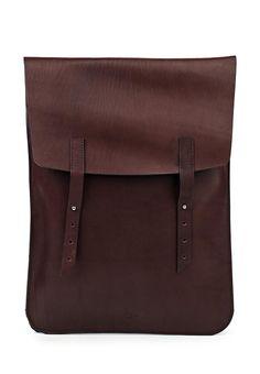 Плоский рюкзак из натуральной кожи.