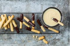 Guetzli-Pommes Vanilla Sauce, Vanilla Sugar, No Egg Cookies, Chocolate Icing, Food Trends, French Fries, Desert Recipes, Original Recipe, Tray Bakes