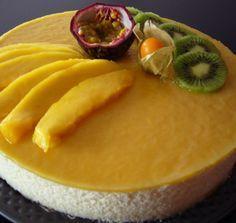 Un dessert très frais composé d'une génoise à la noix de coco surmontée d'une mousse mangue/fruit de la passion Temps de préparation : ♦♦ Difficulté : ♦♦ Ingrédients (pour 8 personnes) Pou...