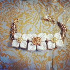 dwallacedesigns • vintage button bracelet.