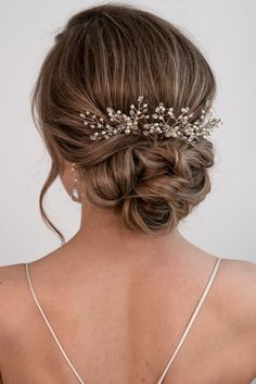 Wedding Hair Up, Elegant Wedding Hair, Wedding Hairstyles For Long Hair, Hairstyle Wedding Bridesmaid, Bridesmaid Hair Vintage, Low Bun Wedding Hair, Soft Wedding Makeup, Wedding Hair Pieces, Bridal Hair Buns