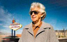 Умерла создательница вывески «Добро пожаловать в сказочный Лас-Вегас» - Бетти Уиллис.    В возрасте 91 год скончалась художницаи дизайнер Бетти Виллис (Betty Willis), создательницавсемирно известного логотипа Лас-Вегаса. Еетворение с лозунгом «Добро пожаловать в �