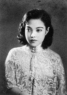 Yoshiko Yamaguchi, Japanese film star during 1940s (popular in colonies)