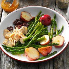 Asparagus Nicoise Salad Canned Tuna Recipes, Salad Recipes, Diabetic Recipes For Dinner, Dinner Recipes, Diabetic Meals, Seafood Recipes, Tuna And Egg, Make Ahead Salads, Healthy Salads