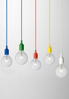 Colorful bulbs / Muuto