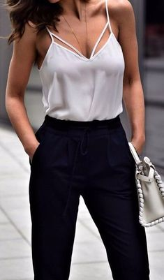 14 Super Cheap High Waisted Pants You Must Buy - Style Spacez Chic Summer Outfits, Casual Outfits, Cute Outfits, Fashion Outfits, Work Fashion, Fashion Looks, Fashion News, Fashion Sale, Paris Fashion