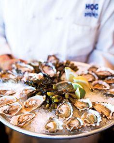 YUMMY! Fresh oysters #wedding #food