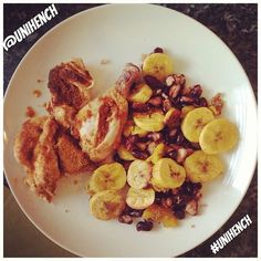 £1.70 #chicken #suya #pepper Red #kidneybeans #plantain like a big #Banana you cook, i bake them in #coconutoil you can buy the suya in most ethnic shops in areas where brown people live! #hench #ripped #paleo #paleodiet #unihench #fitness #gymfood #gymgi