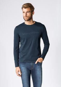 Der klassische Logo-Print in dezent verwaschener Optik prangt hier auf der Brust des leichten Langarm-Shirts. Ein angenehmer Jersey aus reiner Baumwolle betont die Qualität und den Komfort gleichermaßen. Aus 100% Baumwolle....