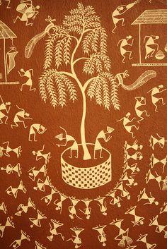 Dancing on Walls by Shamim Padamsee. Worli Painting, Art Painting Gallery, Pottery Painting, Fabric Painting, Madhubani Art, Madhubani Painting, Art Village, Indian Folk Art, Indian Art Paintings