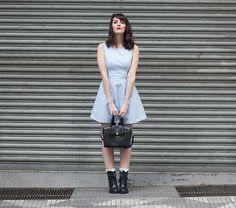 """Olha aí a Karen Bachini do blog """"E aí, beleza?"""" com o vestido Lampejos!"""
