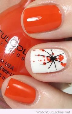 Wonderful nail art with spiders for Halloween
