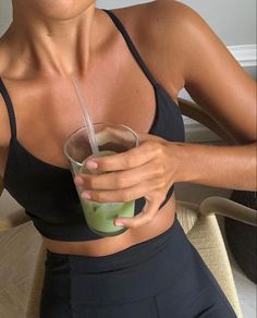 Fitness Motivation, Healthy Lifestyle Motivation, Dream Body Motivation, Mode Poster, Corps Parfait, Fitness Inspiration Body, Fit Girl Inspiration, Workout Aesthetic, Fitness Aesthetic