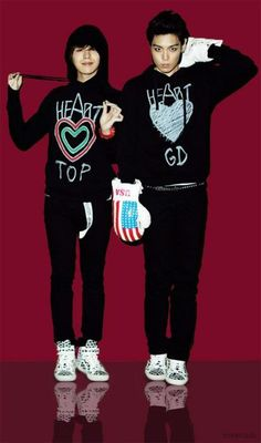 GD wearing a TOP sweater and TOP wearing a GD sweater :3  they were so young
